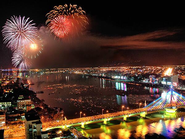 Check-in những điểm mới lạ tại lễ hội pháo hoa Đà Nẵng 2020