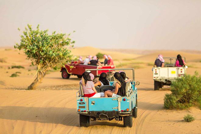 Tour xe Jeep đang rất được những người yêu du lịch ưa chuộng. Ảnh: phanthiet muine