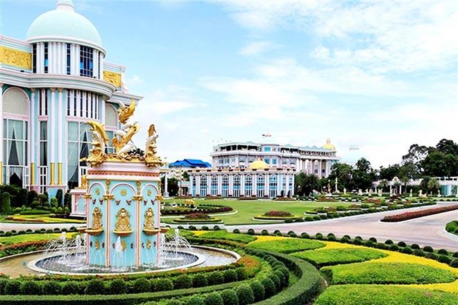 Tour du lịch Thái Lan bao nhiêu tiền: lâu đài tỷ phú